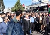 تظاهرات آوارگان فلسطینی در لبنان علیه سازشکاران عرب/ مقاومت تنها گزینه برای آزادسازی فلسطین است