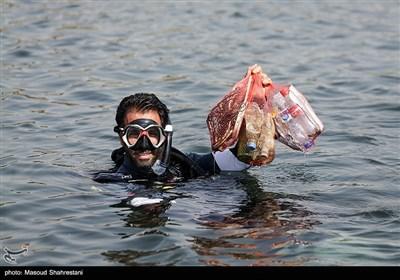 پاکسازی دریاچه آزادی