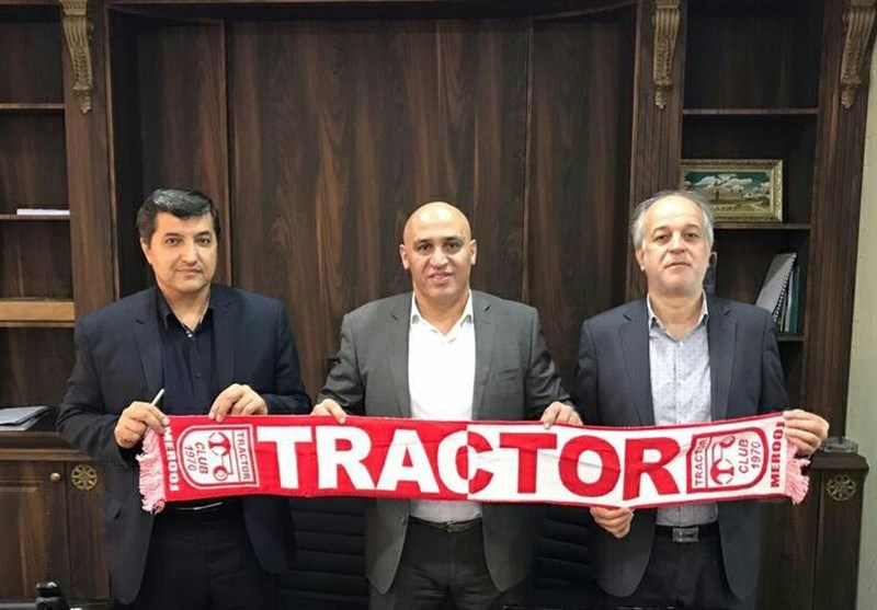 منصوریان: احترام زنوزی واجب است چون از جیبش برای فوتبال خرج میکند/ فقط با یک تماس او هدایت تراکتور را قبول کردم