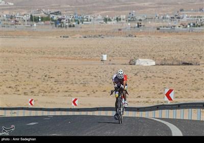 اولین دوره مسابقات دوچرخه سواری به مناسبت هفته دفاع مقدس -شیراز