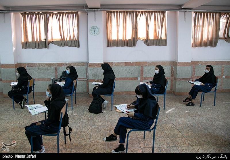 آموزش و پرورش آذربایجانغربی ملزومات پیشگیرانه کرونا در ایام امتحانات را فراهم کند