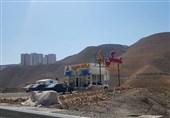 در پردیس چه خبر است؟ ساخت کانکس املاک در حاشیه جاده!+ عکس