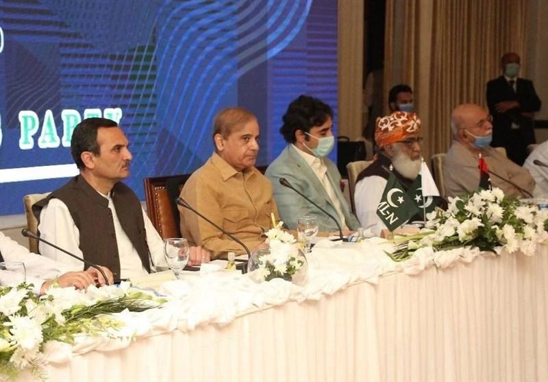 ملاقاتهای مکرر سران اپوزیسیون پاکستان با فرمانده ارتش