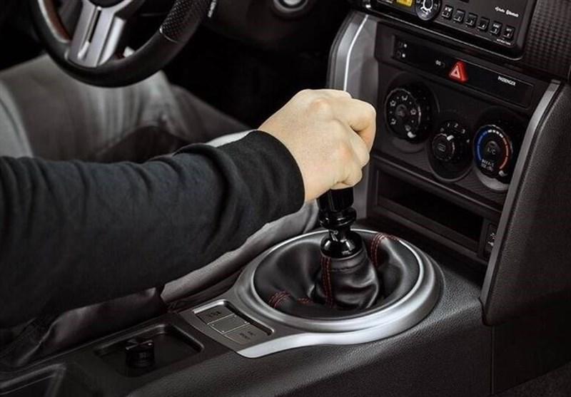 توصیه های ایمنی خودرو| چرا و در کجا باید با دنده سنگین حرکت کنیم؟