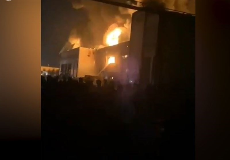 Huge Fire Breaks Out in Dairy Factory in Southwest Tehran (+Video)