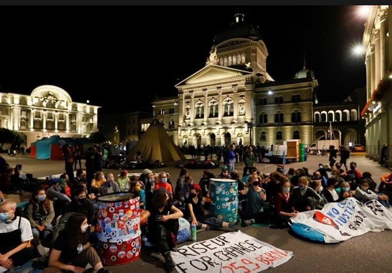 Police Clear Climate Protesters Camped outside Swiss Parliament