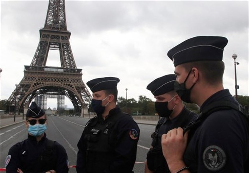 Eiffel Tower Briefly Evacuated Due to Bomb Threat (+Video)