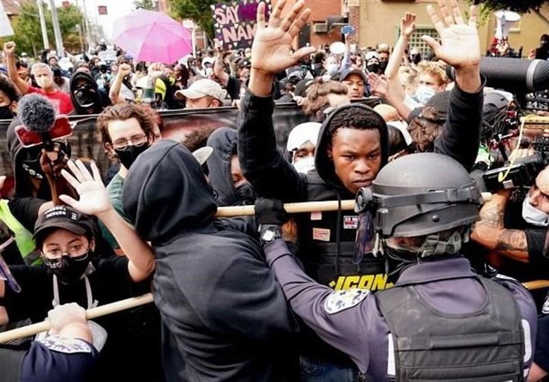 تيلور،تظاهرات،حكم،قتل،معترضان،ايالات،متحده،خانم،پليس،كنتاكي، ...