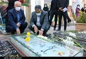 ادای احترام رؤسای کمیسیونهای صنایع و اقتصادی مجلس به شهید سلیمانی از قاب دوربین