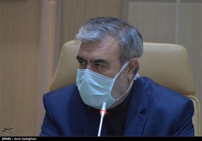 """آموزش و پرورش را صاحبان قدرت اداره می کنند/""""حاجی میرزائی""""نقشی در اداره وزارتخانه ندارد"""