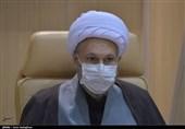 امام جمعه شیراز: محور همه حرکتهایی که در مساجد شروع میشود باید مردم باشند