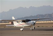 فرود اضطراری یک هواپیمای آموزشی در جاده جاجرم؛ حال سرنشینان هواپیما خوب است