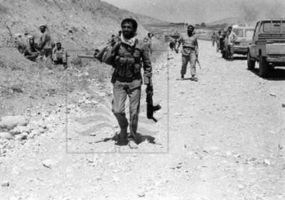تصویر دفاع مقدس| علی اکبرهای امام(ره)، پراکنده شده در دشت مین