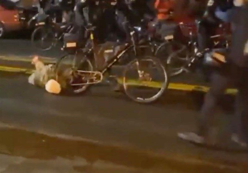 Seattle Cop Filmed Rolling Bike over Protester's Head (+Video)