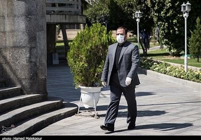 امیری: نمایندگان مجلس شرایط جنگ اقتصادی را در موضوع استیضاح وزیر اقتصاد در نظر بگیرند