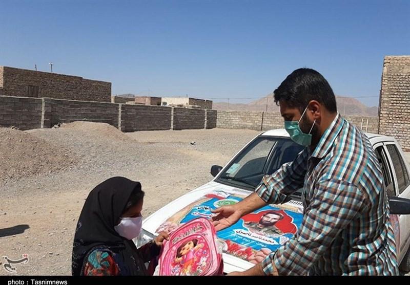 20هزار بسته نوشتافزار میان دانشآموزان نیازمند استان فارس توزیع شد