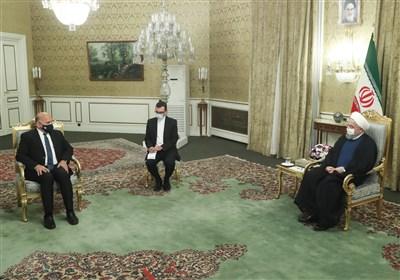 الرئیس روحانی: تواجد القوات الأمریکیة فی المنطقة یضر بأمن واستقرارها