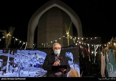 تقدیر از دکتر سعید نمکی وزیر بهداشت و درمان در اختتامیه جشنواره فیلم مقاومت