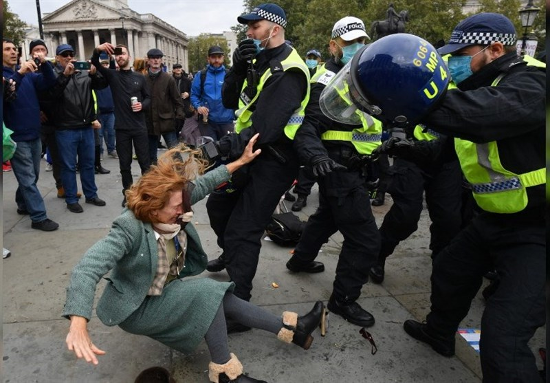 Woman Slammed to Ground by Police during London Anti-Lockdown Protest (+Video)