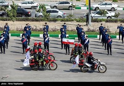 رژه عملیاتی نیروهای آتش نشانی مشهد