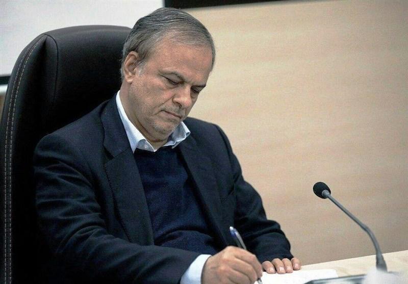 """وزیر صنعت: واردات ۲۵۰۰ قلم کالا تحریم شد / برای تولید """"مرغ و تخممرغ"""" مشکل داریم"""