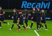 مخالفت بازیکنان بارسلونا با مذاکره برای کاهش حقوق؛ همه به جز 3 نفر