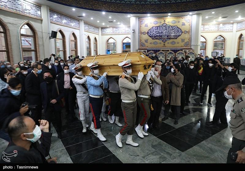 تشییع جثمان الموسیقار الإیرانی الشهیر محمد رضا شجریان إلى مثواه الأخیر فی مشهد