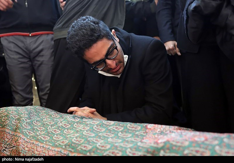 محمدرضا شجریان در توس آرام گرفت + عکس