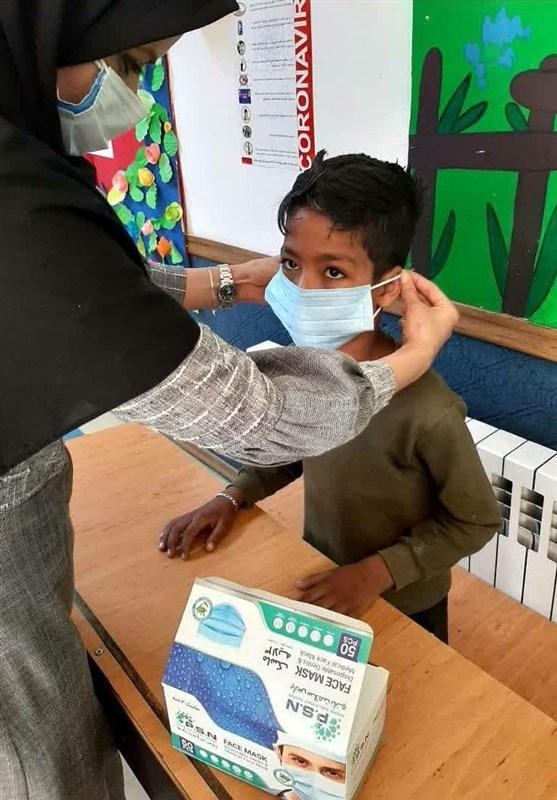 توزیع 15 هزار ماسک اهدایی مردم، بین کودکان کار