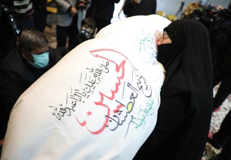 پایان فراق 5 ساله مادر شهید مدافع حرم، «ذکریا شیری»+عکس و فیلم