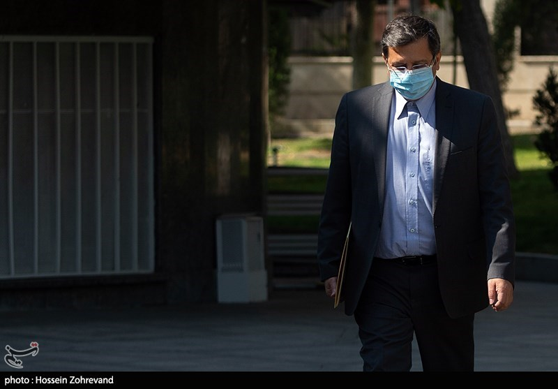 عبدالناصر همتی، رئیسکل بانک مرکزی