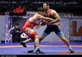 لیگ برتر کشتی فرنگی|پیروزی سیناصنعت ایذه و آریوبرزن بهبهان در مسابقات صبح روز دوم