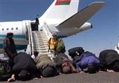 بازگشت 240 مجروح یمنی از عمان به صنعاء+عکس