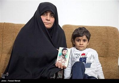 همسر و فرزند شهید مدافع حرم محمود رادمهر