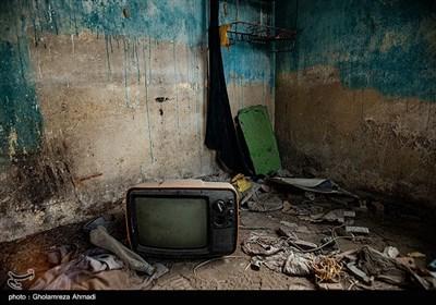 فضای بصری جزیره حس فوق العاده ای دارد و اگرچه بیشتر ساکنانش آن را ترک کرده اند اما خانه هایی که باقی مانده در خود خاطرات زیادی را نشانمان می دهند
