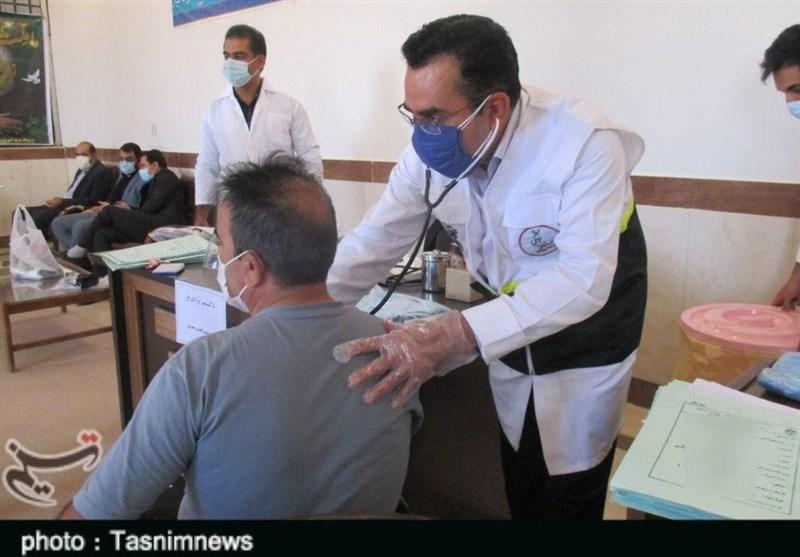 تیم بسیج پزشکی لرستان به زندانیان خدمات پزشکی رایگان ارائه دادند+تصاویر