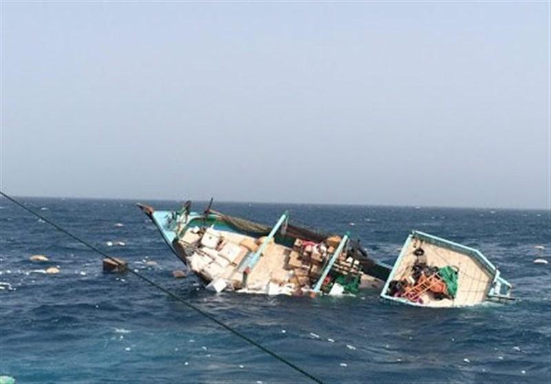 بوشهر|لنج تجاری تنگستانیها در خلیج فارس غرق شد / 4 خدمه لنج نجات یافتند