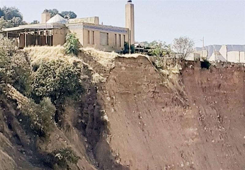 گزارش تسنیم از پساسیل پلدختر| گلزار شهدای معمولان در آستانه تخریب؛ مسئولان بی توجه به قبور شهدا + تصاویر