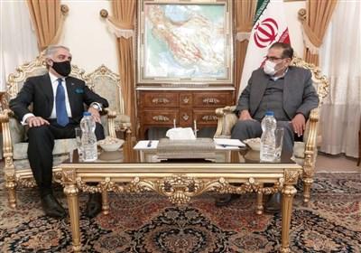 شمخانی خلال استقبال عبدالله: السیاسة الأمریکیة تقوم على خلق الفوضى وانعدام الأمن