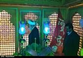 برگزاری مراسم غبارروبی ضریح علی بن محمد باقر(ع) مشهد اردهال کاشان به روایت تصویر