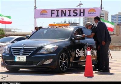 آماده سازی پیست اتومبیلرانی مسابقات اسلالوم قشم به روایت تصویر