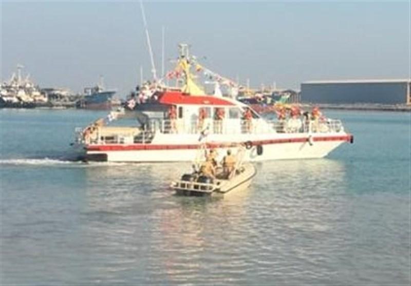 نیروی دریایی سپاه جان 8 سرنشین شناور صیادی را در آبهای خلیج فارس نجات داد