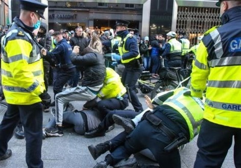 Irish Police Clash with Anti-Lockdown Protesters in Dublin (+Video)