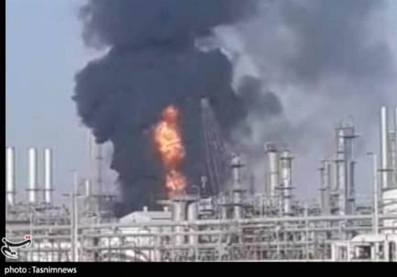 حریق در واحد 100 آروماتیک پتروشیمی بندرامام خمینی(ره)/ علت حادثه هنوز مشخص نشده است + فیلم
