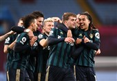 لیگ برتر انگلیس| صعود لیدز به رده سوم جدول با تحمیل اولین شکست فصل به استونویلا