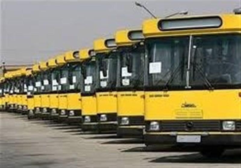 سومین روز از تجمع رانندگان اتوبوس در ارومیه؛ تا زمان برآورده شدن مطالباتمان تجمع میکنیم