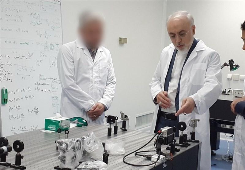 بازدید صالحی پس از بهبودی از کرونا از مرکز ملی فناوریهای کوانتومی ایران