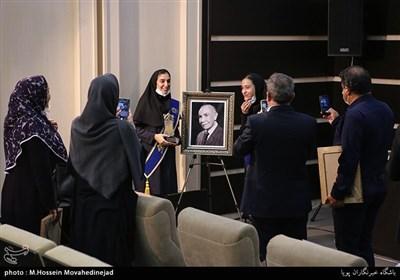 پنجاه و هشتمین سال همایش ملی دانش آموزی جایزه بنیاد البرز
