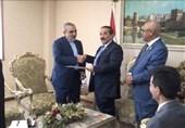 وزیر الخارجیة الیمنی یتسلم نسخة من أوراق اعتماد سفیر إیران بصنعاء