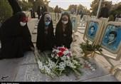 نوجوانان اصفهانی به شهدای نوجوان انقلاب و دفاع مقدس ادای احترام کردند + تصویر